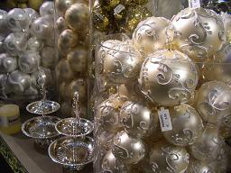クリスマスグッズ                  ウイーン(オーストリア)_e0074251_1582929.jpg