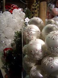 クリスマスグッズ                  ウイーン(オーストリア)_e0074251_1592385.jpg