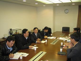 神州学人編集長来日 在日中国人留学生代表らと座談_d0027795_1211022.jpg