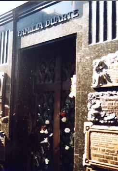 レコレッタのエビータの墓を訪ねて   _c0011649_1914951.jpg