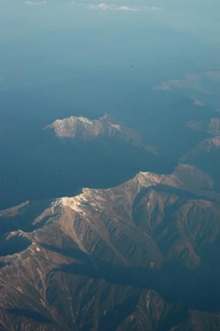 飛行機から見える木曽山脈。脈状に連なる山脈。木曽、赤石山脈、飛騨山脈。日... てにとどくもの