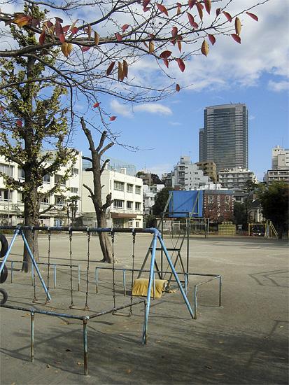 Schoolyard_a0002672_15213270.jpg