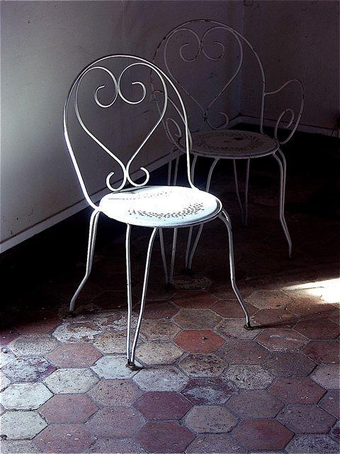 誰も座る人のない椅子……ドア・イン・ザ・フロアー。_e0044929_22304190.jpg