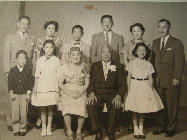 叔母夫婦の金婚式記念写真・・・ルーツ・・・④_a0050728_15175961.jpg