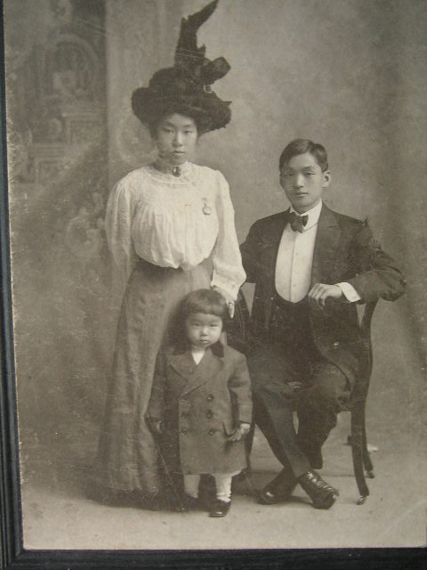 叔母夫婦の金婚式記念写真・・・ルーツ・・・④_a0050728_15222976.jpg