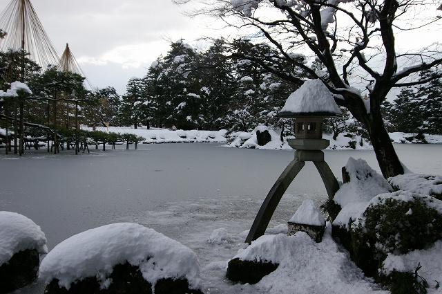 雪の兼六園_d0043136_20225236.jpg