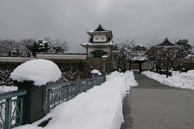 雪の金沢城_d0043136_21125799.jpg