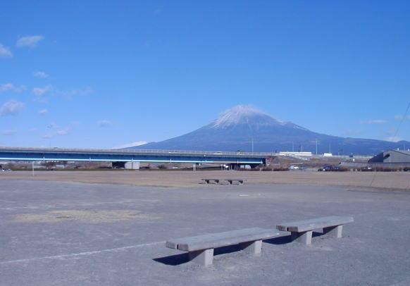 富士川の緑地公園_d0006718_22561272.jpg