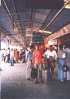 インドでどうでしょう(3)-1   アーグラー_d0066442_19553966.jpg