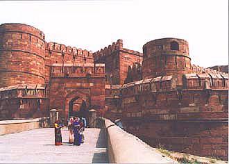 インドでどうでしょう(3)-1   アーグラー_d0066442_19561640.jpg