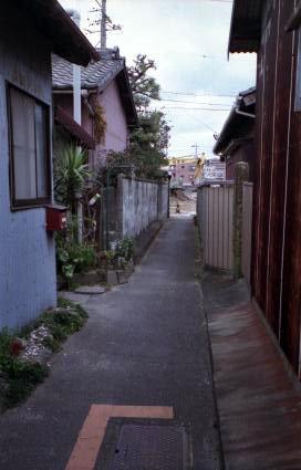 変わる町並み(散歩写真)_e0015690_2229476.jpg