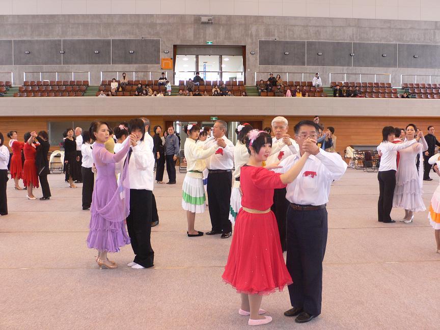 12/18  Shall we dance?_d0027501_19523728.jpg