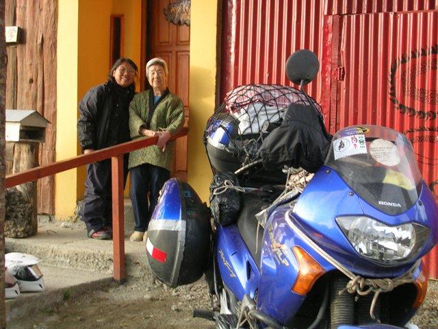 <水島夫妻のバイクの旅>  ウシュアイアからプエルトナタレスへ_c0011649_18564994.jpg