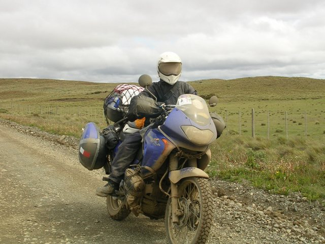 <水島夫妻のバイクの旅>  ウシュアイアからプエルトナタレスへ_c0011649_1921016.jpg
