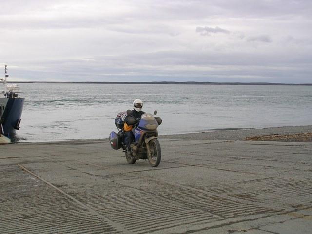 <水島夫妻のバイクの旅>  ウシュアイアからプエルトナタレスへ_c0011649_1923889.jpg