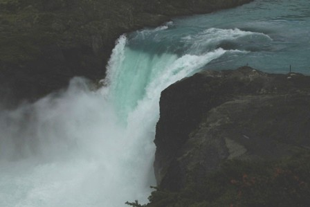 <水島夫妻のバイクの旅> パイネ自然国立公園へ_c0011649_2285165.jpg