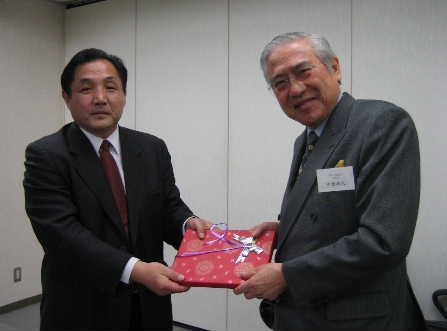 南京市政治協商会議訪日団一行8人 日本を訪問_d0027795_22384733.jpg