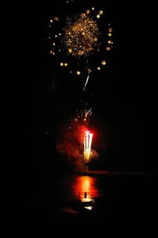 冬の花火-江の島はまさに光のファンタジー-05・12・24_c0014967_13393493.jpg