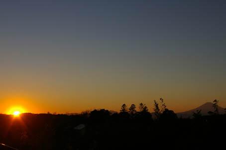 夕陽三昧(江ノ島展望灯台&北鎌倉・六国見山)_c0014967_1535854.jpg