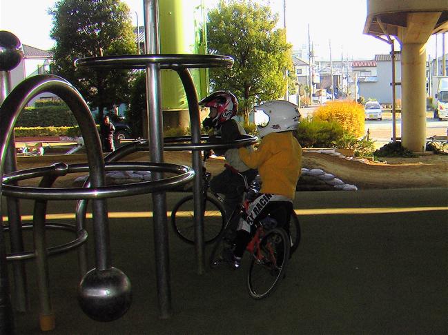 Xマスをぶっとばせ!! 2  BREW JAPAN  B F R   Yellow-1 転倒虫 S.S Racing 合同忘年会_b0065730_19241174.jpg