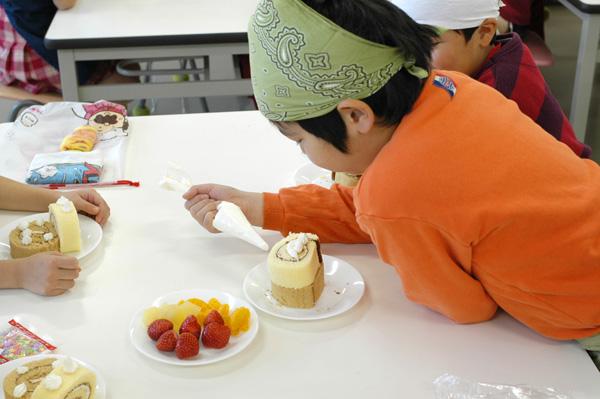 クリスマスケーキをつくる会_a0003650_11232193.jpg
