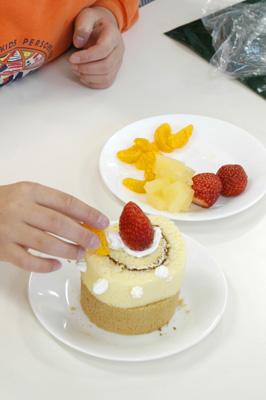 クリスマスケーキをつくる会_a0003650_11234880.jpg