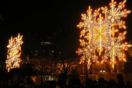 師走の夜の光の祭典「東京ミレナリオ」、今回で見納め!_c0014967_8423427.jpg