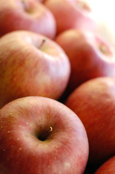 午後3時のお茶とリンゴ_a0003650_1528508.jpg
