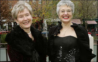 Same-sex couple\'s lawsuit a test of tolerance in Ireland_d0066343_1684642.jpg