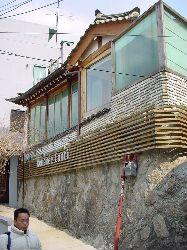 "ARCHITECTURE IN SEOUL ""ソウル建築"" 3_e0028417_21564144.jpg"
