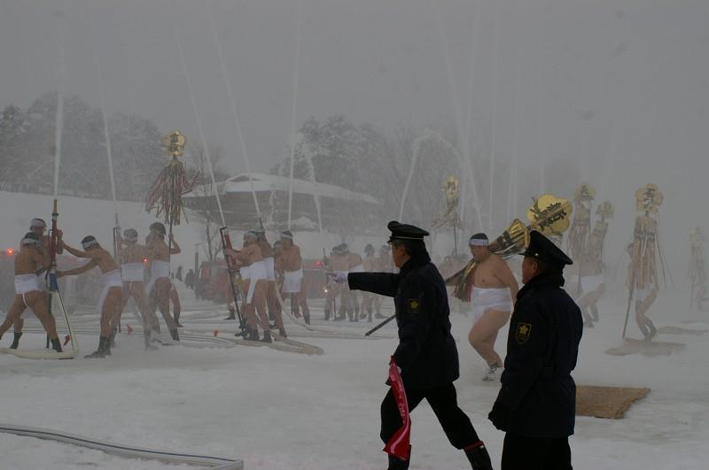 雪の中、出初式~金沢_d0043136_19343090.jpg