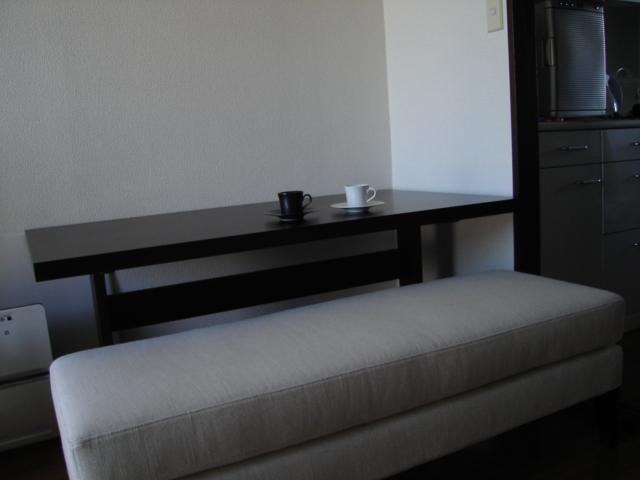 ダイニングテーブルとコーヒー_e0003660_0163271.jpg