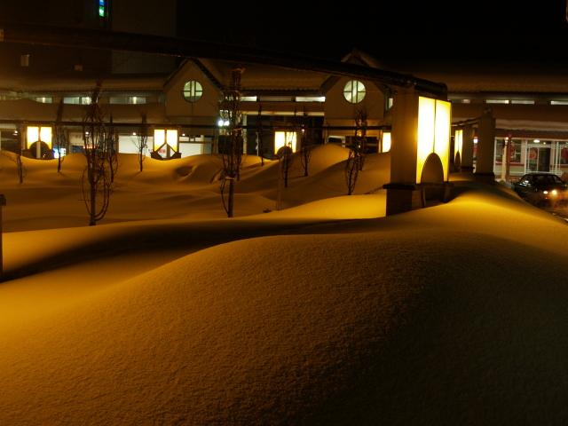 故郷雪国の景色5 寒いけど暖かい夜_a0042976_1533312.jpg