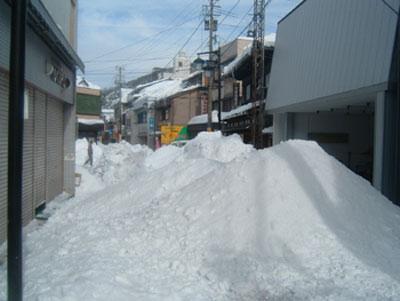 町内一斉屋根雪下ろしの巻パート2 _a0041925_151999.jpg