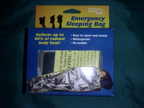 アルミ箔緊急時寝袋 / Emergency Sleeping Bag_e0024555_7321955.jpg