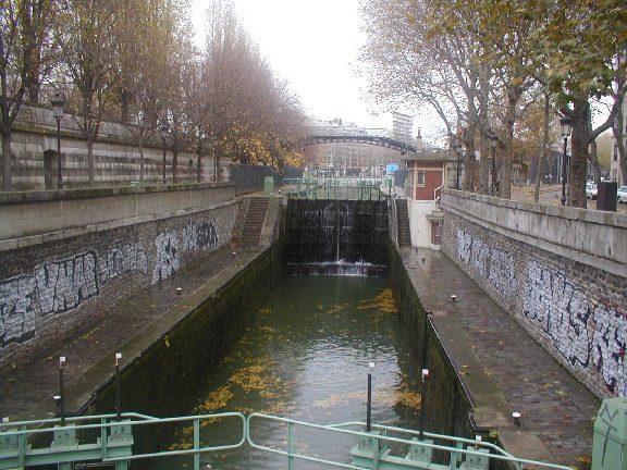 パリ雑感・10_c0063108_0172383.jpg