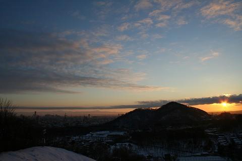 荒井山から朝日_c0048117_1865838.jpg