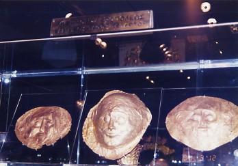 アテネ国立考古学博物館_c0011649_1105228.jpg