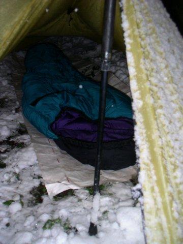 裏庭雪中キャンプ / Integral Designs SilShelter_e0024555_17524334.jpg