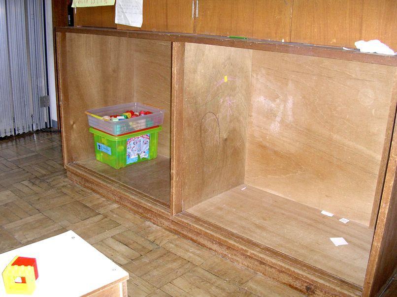 幼稚園の棚_e0072513_15215526.jpg