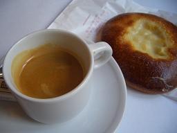 カフェで朝ごはん_e0074251_839022.jpg