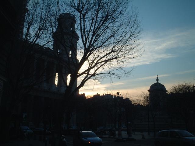 ■寒くて朝が遅いパリ・・・_d0053315_22175871.jpg
