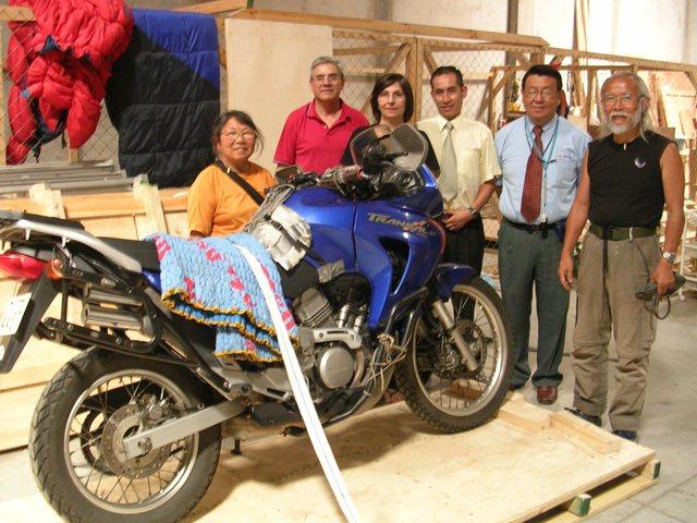 <水島夫妻のバイクの旅>  アフリカ大陸への準備_c0011649_8104570.jpg