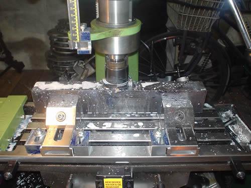 壊れたベンダーの部品を作る_a0047491_12363039.jpg