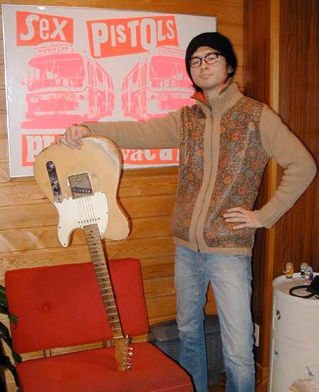 ギタリストの「亮ちゃん」御来店。_e0053731_20391421.jpg