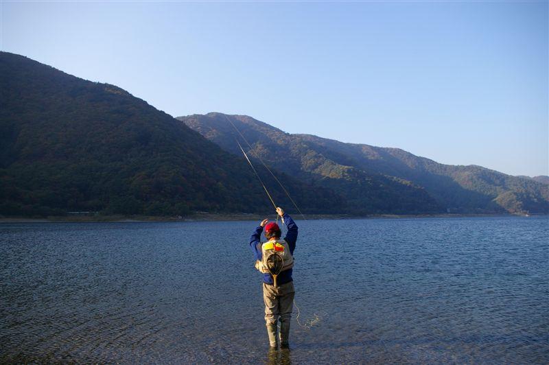 PENTAX*istDS2! 実にこのカメラはよく釣れる!(本栖湖限定)_f0064359_2129276.jpg