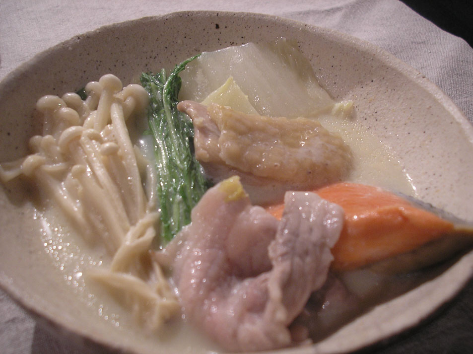 豆乳鍋withひさびさの友_e0055098_22132984.jpg