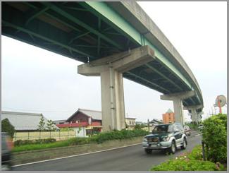 桃花台線廃止後の提案:高架橋はできるだけ早く撤去すべきだ!_c0057662_1013725.jpg