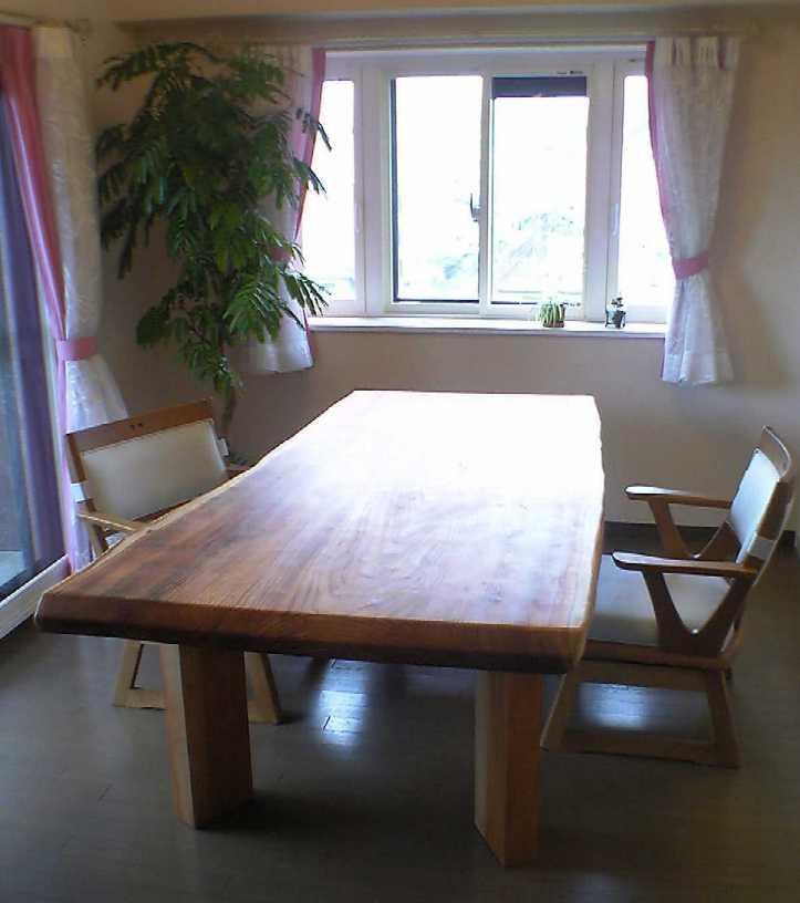 無垢のテーブル_b0001143_19172862.jpg