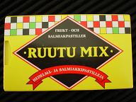 Finlandのお菓子「RUUTU MIX」_e0057699_1532359.jpg
